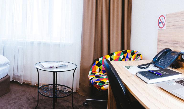 hotelroom11