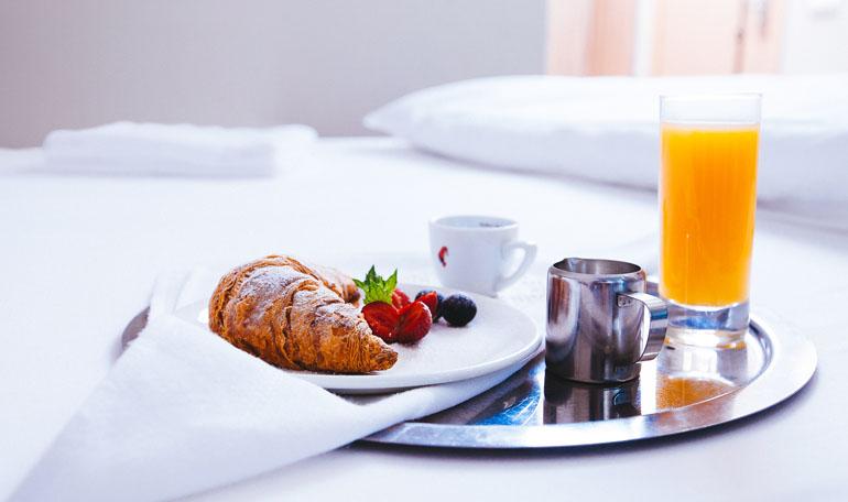 hotelroom14
